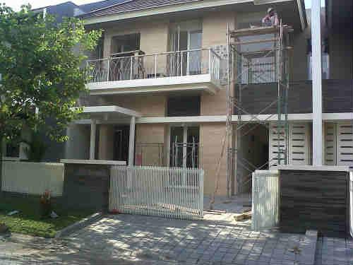 rumah dijual di pakuwon city, surabaya