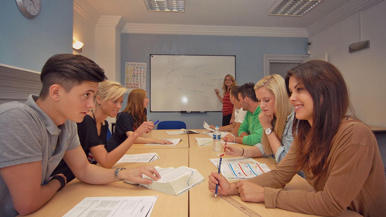 Waspada terhadap penipuan berkedok tempat kursus bahasa inggris